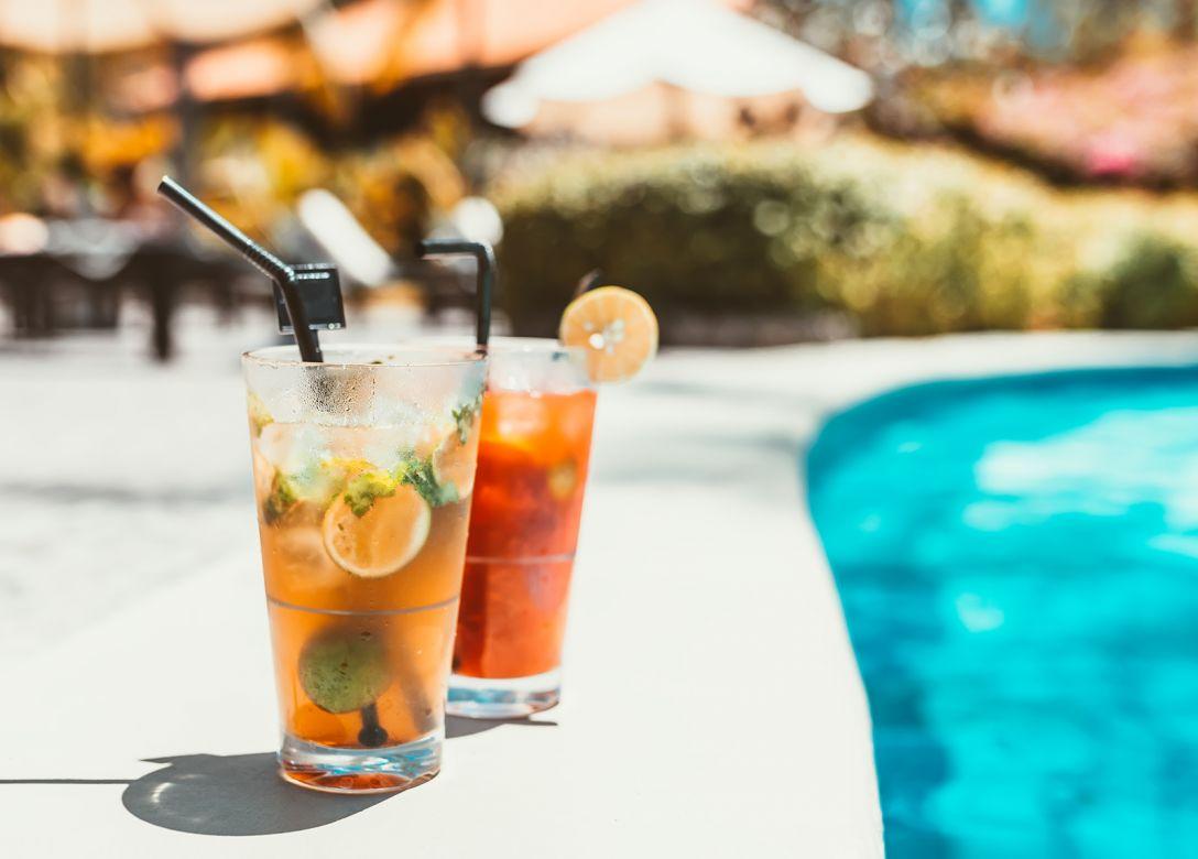 Pool Bar, Bab Al Shams Desert Resort & Spa - Credit Card Bar Offers