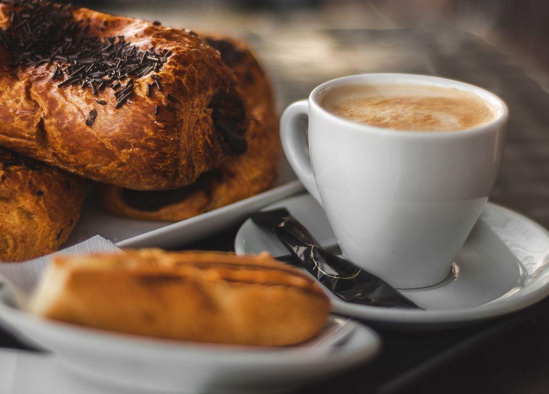 R Cafe, Ramada Hotel & Suites Ajman - Credit Card Restaurant Offers