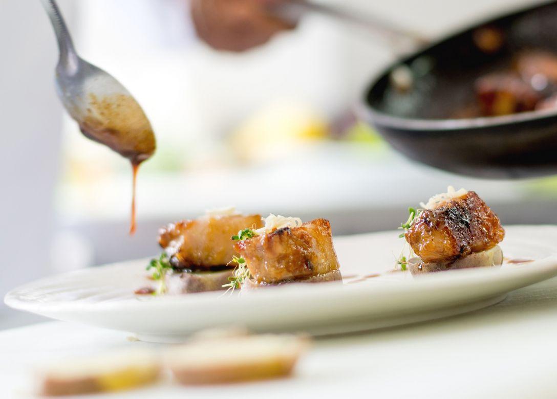 Manta Restaurant - Credit Card Restaurant Offers