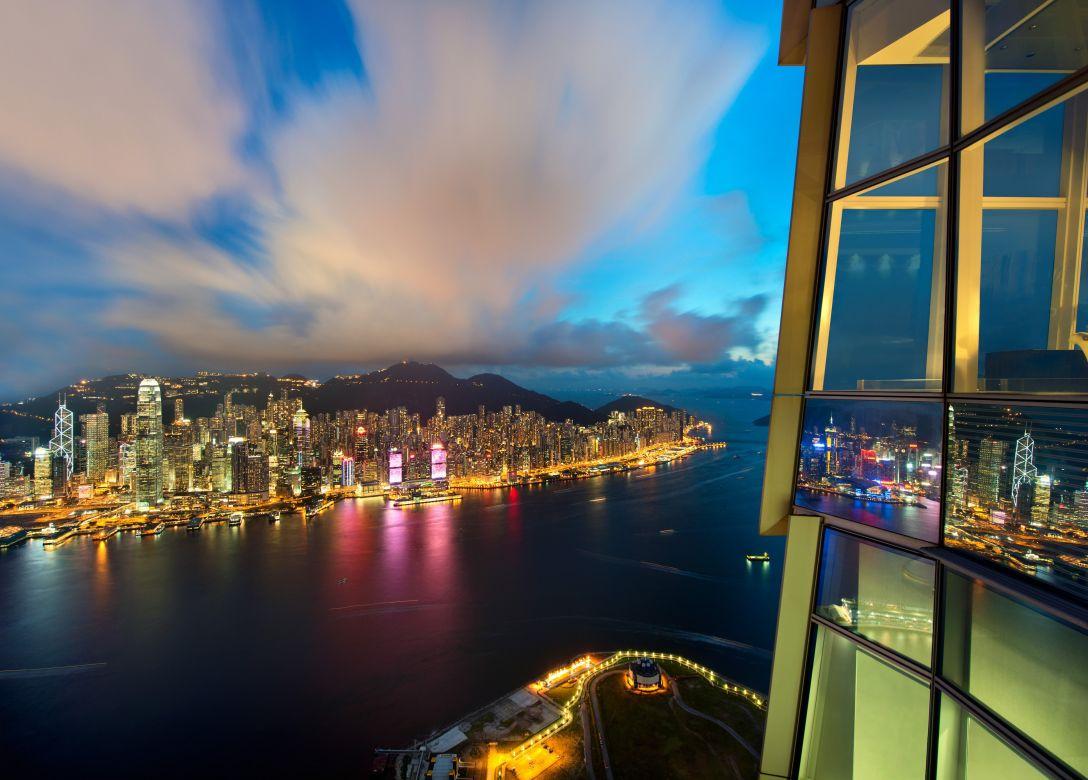 sky100 Hong Kong Observation Deck - Credit Card Travel Offers