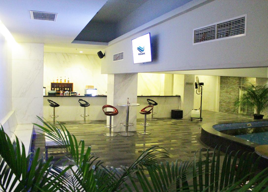 Pool Bar, Grand Mercure Jakarta Harmoni