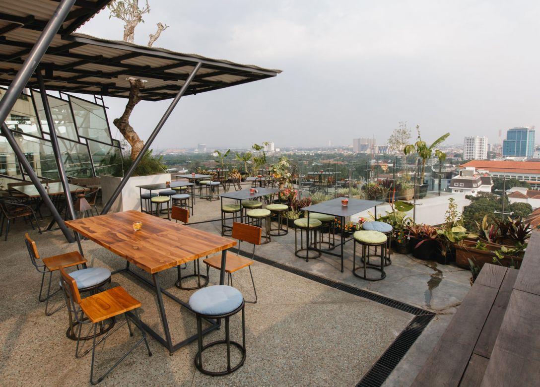 65Roof Top Bar, U-Janevalla Bandung - Credit Card Hotel Offers
