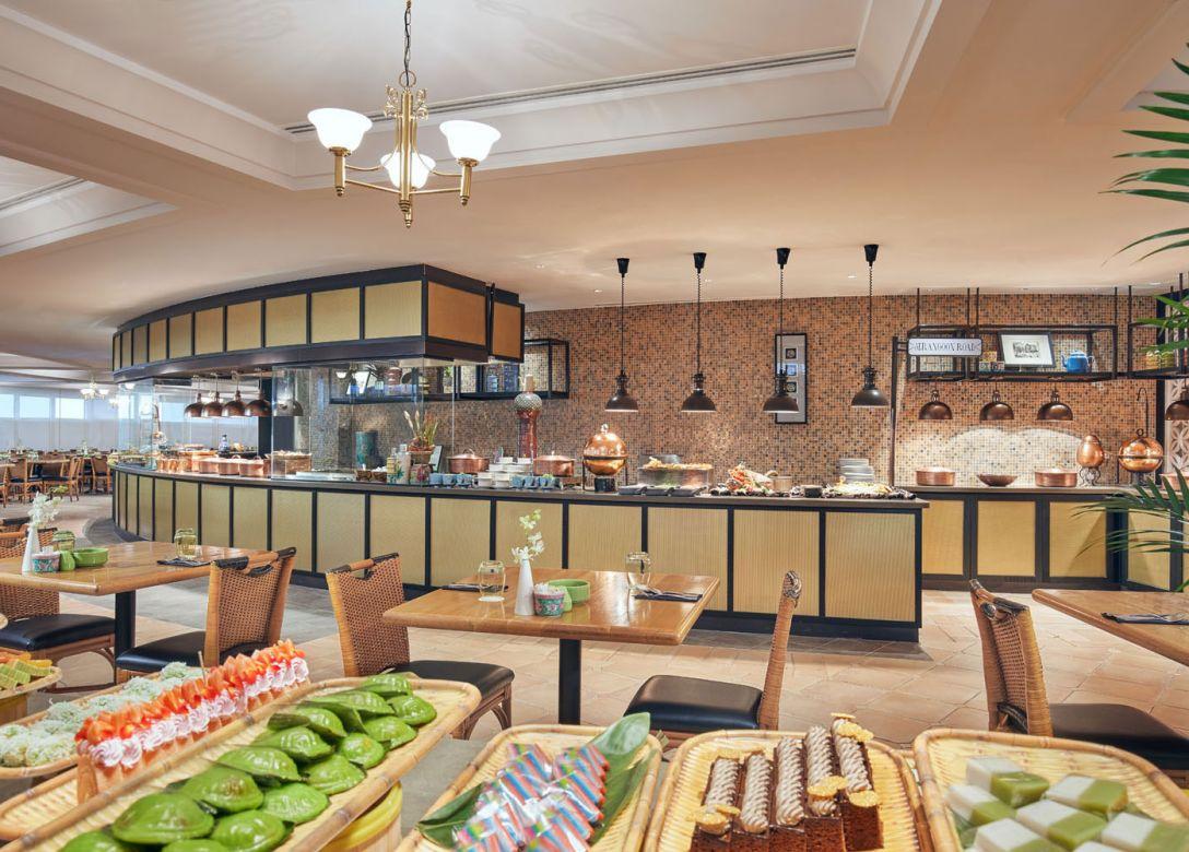 Asian Market Cafe, Swissotel The Stamford