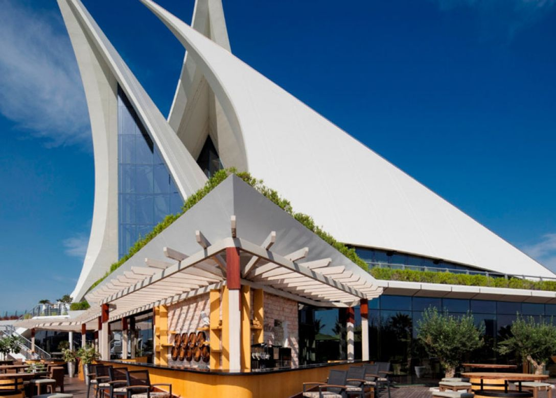 Lakeview,Dubai Creek Golf & Yacht Club - Credit Card Restaurant Offers