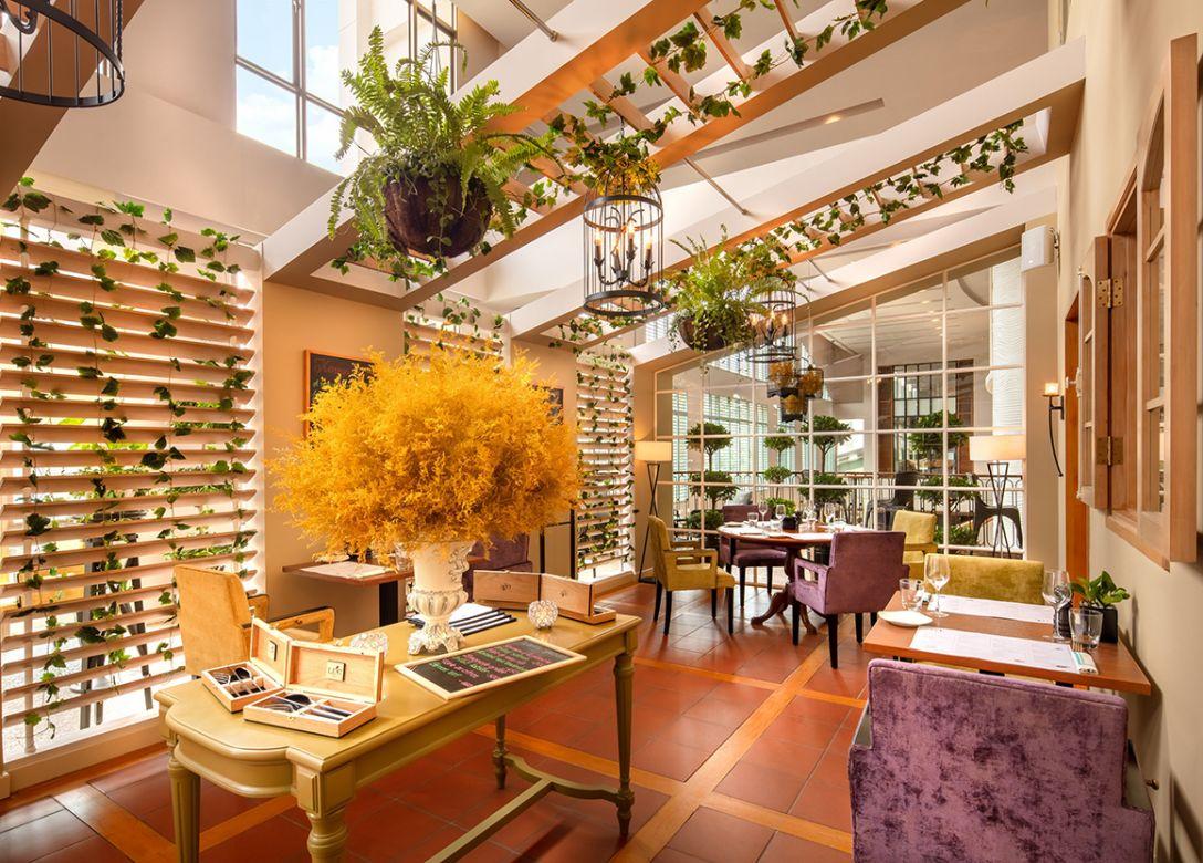 LE 17 Bistro - Credit Card Restaurant Offers